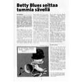 SI122 Betty Blues soittaa tummia säveliä